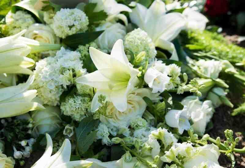 Quelles fleurs pour un enterrement homme ?